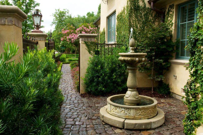 Cozy Residential Estate